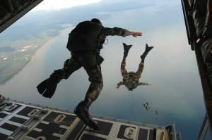 combat-diver-60545_1280